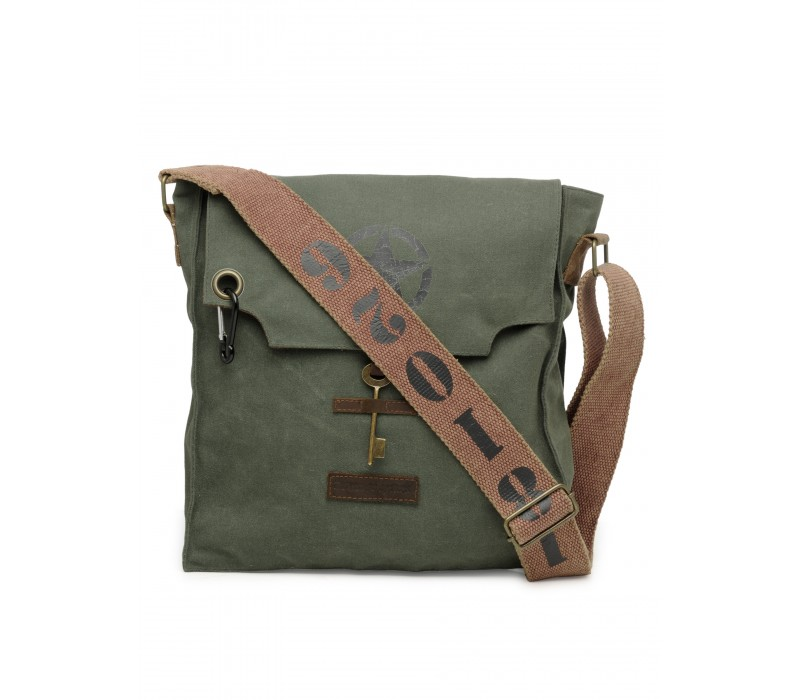 Messenger bag in Distress Finish (Moss Green)